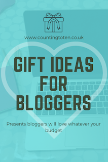 Gift ideas for bloggers. Presents bloggers will love whatever your budget