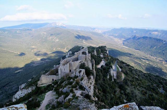 vistas desde lo alto castillo de Peyrepertuse