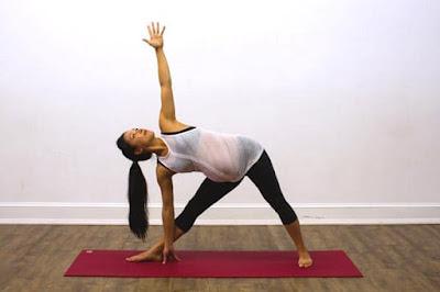 Tips to do Extended Triangle Pose (Trikonasana) during pregnancy
