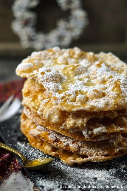 faworki, bunuelos, chrust, ciastka, karnawal, tlusty czwartek, deser, ciasto, bernika, kulinarny pamietnik