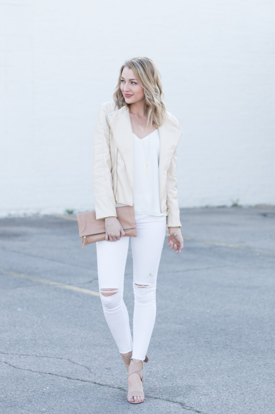 Blush & white spring outfit