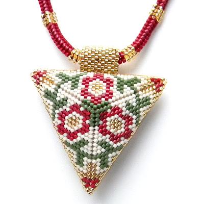 """Кулон  """"Цветочно-золотой """". треугольник из бисера купить кулон ручной работы beaded triangle peyote anabel."""