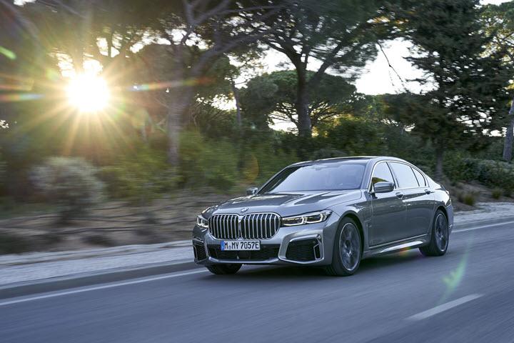 THACO ra mắt 10 mẫu BMW mới ngay tuần sau, đối đầu Mercedes-Benz khắp các phân khúc