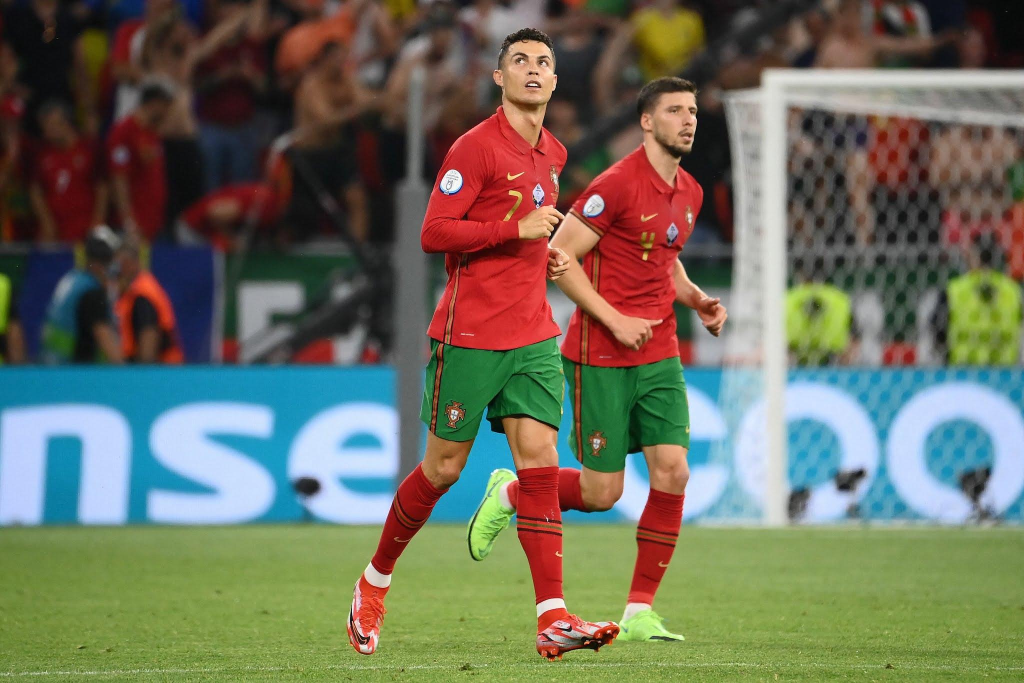 Cristiano Ronaldo and Ruben Dias