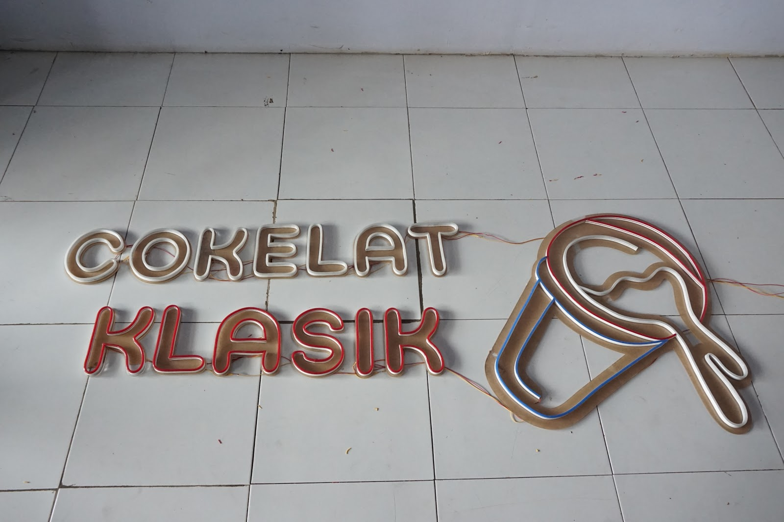 Neon Sign Flex Jasa Pembuatan Neon Sign Led Di Malang Batu Letter Malang Advertising