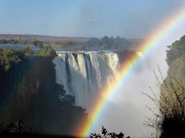 Arco iris de las Cataratas Victoria