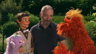 Murray and Ovejita, people in your neighborhood Puppeteer Paul Zaloom, Sesame Street Episode 4325 Porridge Art season 43