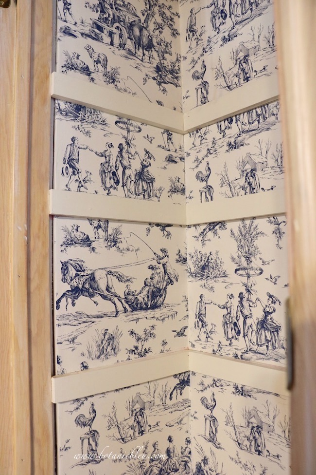 French Country Pantry Makeover with new Seasons Toile Wallpaper in blue and white