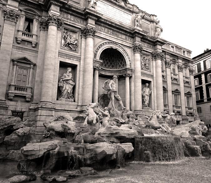 Fontana di Trevi por Sonrisa en Espejo 01