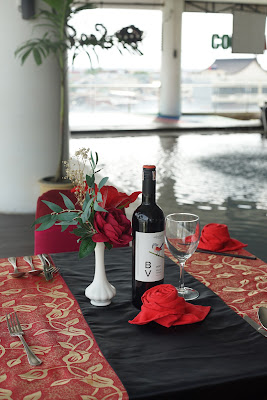 Makan Malam Romantis di Hotel Golden Tulip
