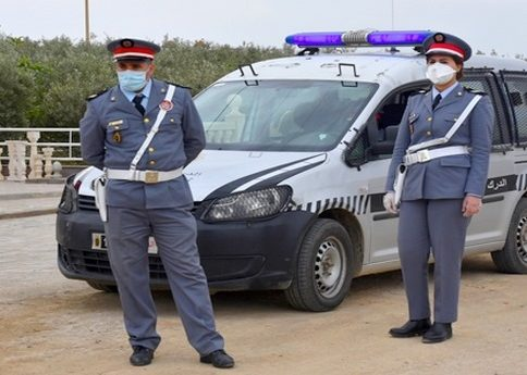 عناصر الدرك بإقليم تارودانت تقود حملة واسعة ضد المخالفين لوضع الكمامات الواقية