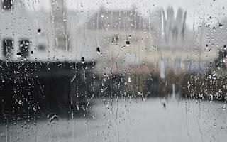 Saat Hujan Deras Disunnahkan Mengganti Lafadz Adzan