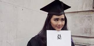 Gita Gutawa : Perempuan Harus Perjuangkan Pendidikan. The Zhemwel