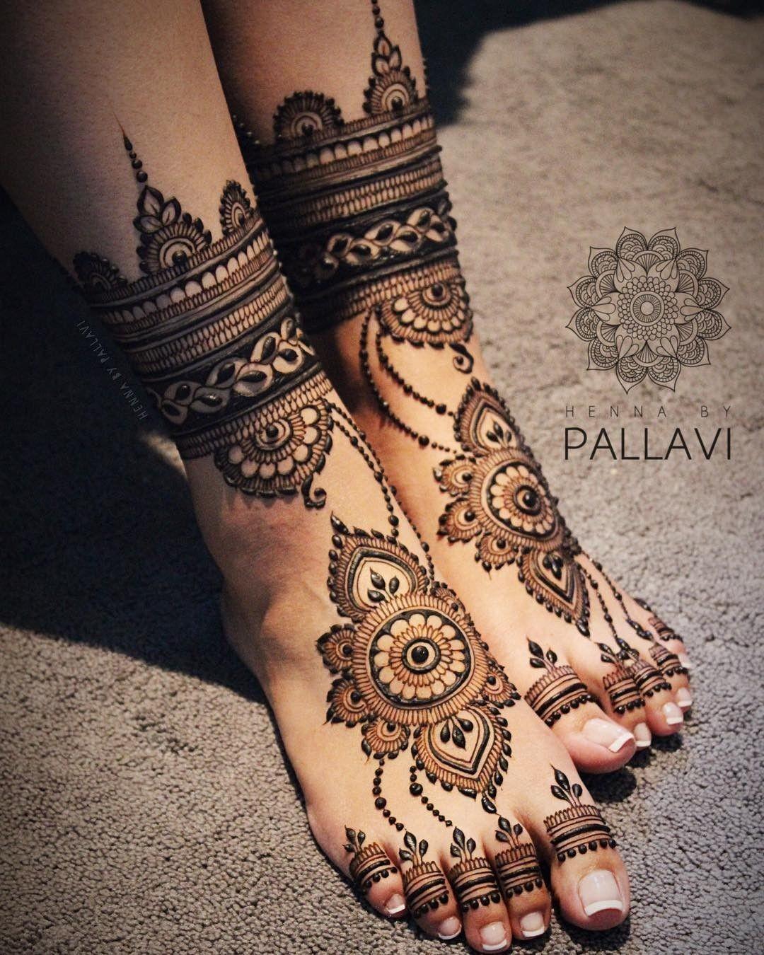 28 Simple and Easy Payal Style Leg Mehndi Designs