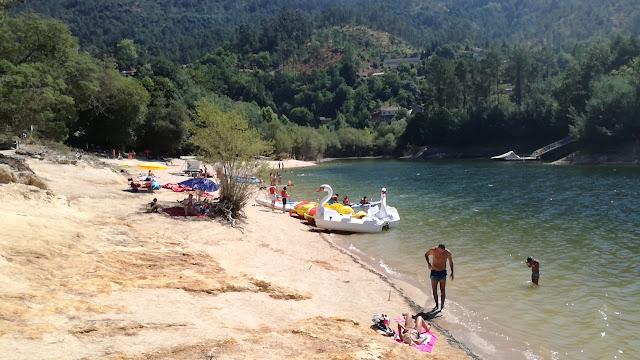 Praia Gerês Albufeira - Aluguer de canoas e Gaivotas