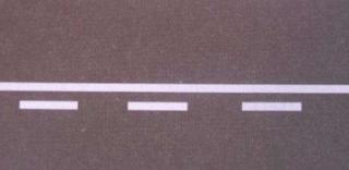 Marka jalan garis terputus dan tidak terputus