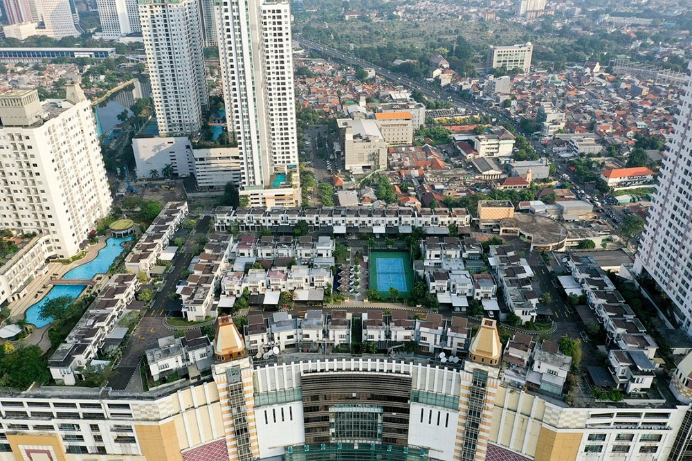 Cosmo Park on top of Thamrin City Mall.