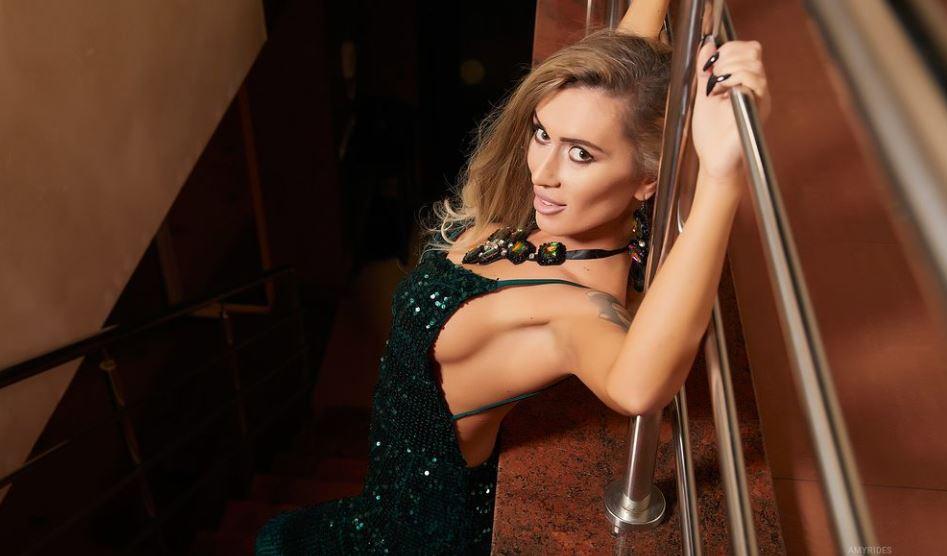 AmyRides Model GlamourCams