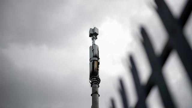 En Reino Unido queman torres de 5G porque creen que propagan el coronavirus