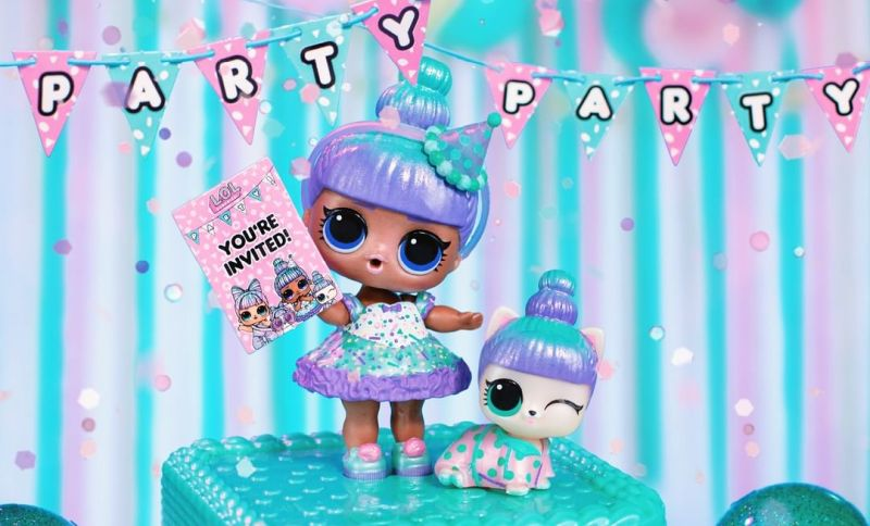 Exclusive L.O.L. Sprinkles doll and Sprin-Claws pet