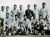 elección de ARGENTINA - Temporada 1925 - Medici, Bidoglio, Vaccaro, Tesoriere, Fortunato y Muttis; Tarasconi, Cerrotti, Seoane, De los Santos y Bianchi - La Selección de Argentina ganó el Campeonato sudamericano en 1925 por segunda vez en su historia