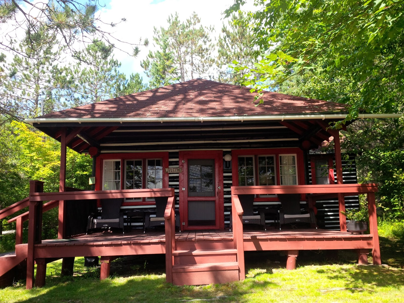 Offgrid life log cabin at lake of two rivers algonquin Log cabin for two