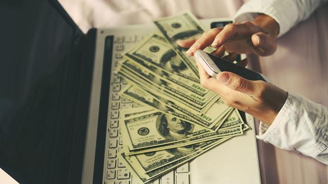 18 طريقة  لكسب المال على الانترنت من المنزل دون الاستثمار
