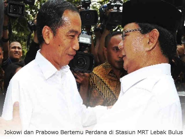 Jokowi dan Prabowo Bertemu Perdana di Stasiun MRT Lebak Bulus