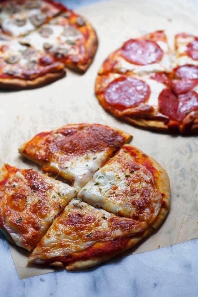 بيتزا الخبز العربي