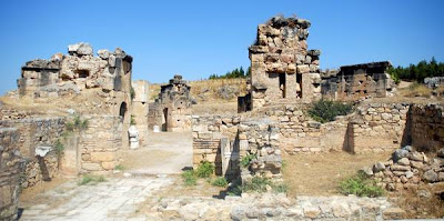 Gate to the Underworld found In ancient Hieropolis