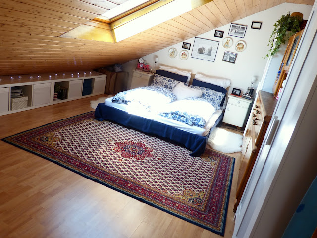 I love how she worked with the slanted walls making the small aparment bedroom still feel there is a lot of space! And she was able to put away so many things and it looks beautiful. Check it out!