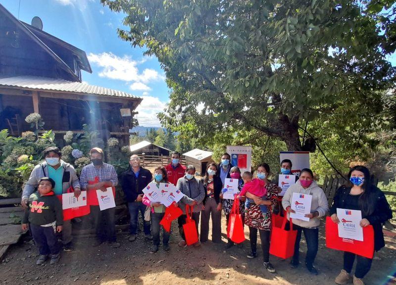 Entregan títulos de dominio a vecinos del sector Lafquelmapu