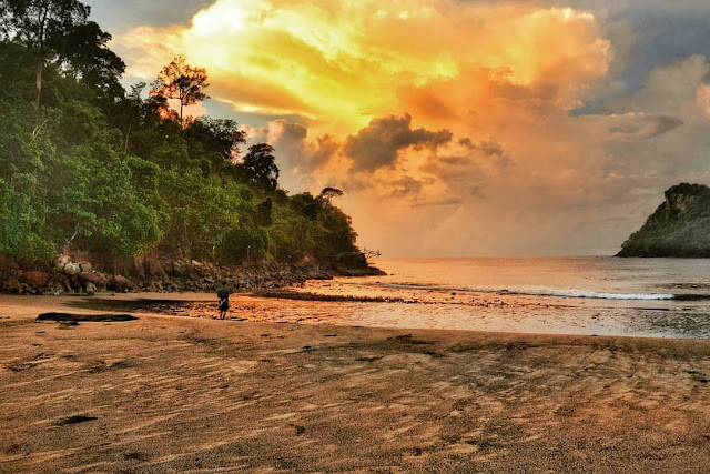 Sunset Di Pantai Wedi Awu Malang