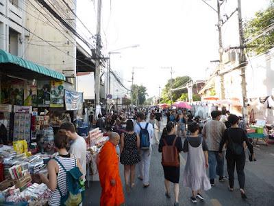 Puestos del Sunday Market de Chiang Mai