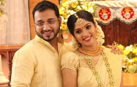 Actress Muktha  and Rinku Tomy following engagement ceremony