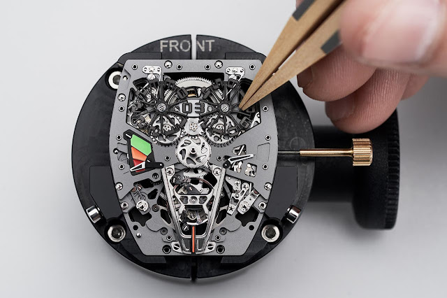 Assembly of the Richard Mille RM 40-01