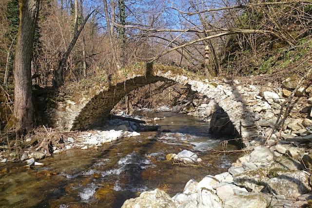 ponte romano via del sale roburent montaldo mondovì medievale arco
