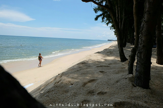 white sandy beach in mui ne vietnam