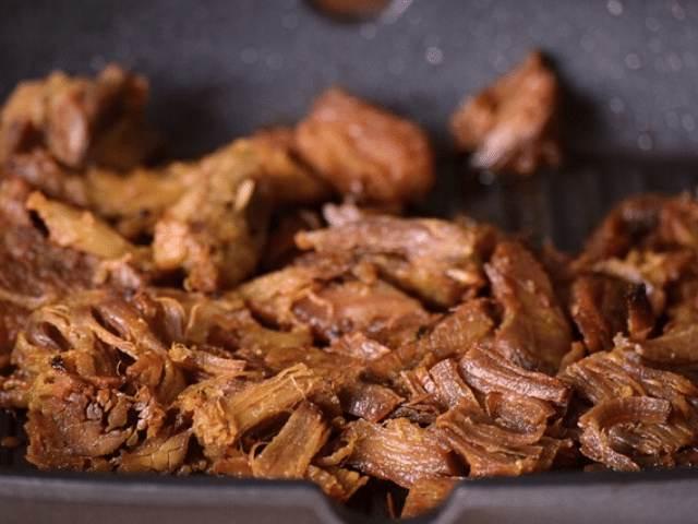 receita de carne seca desfiada com salada de feijão