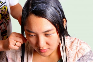 Klapnięte włosy pod czapką? Moje sposoby na przetłuszczanie się włosów zimą!
