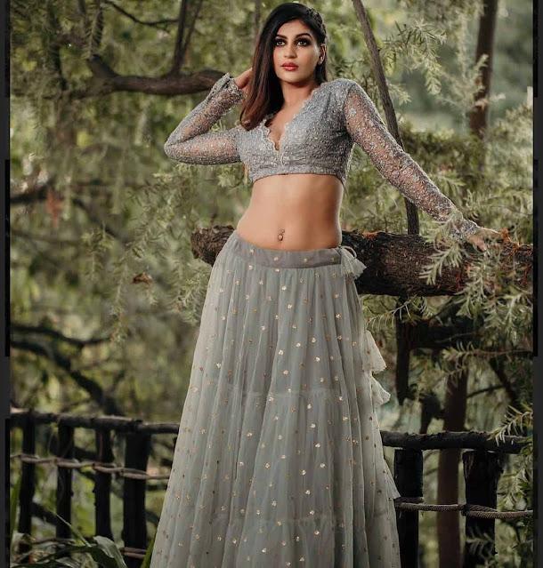 Yashika Anand Sexy Navel Photos