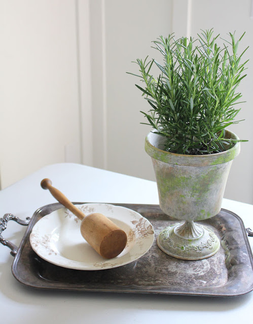 A Simple Flowerpot Makeover Project from Itsy Bits And Pieces Blog