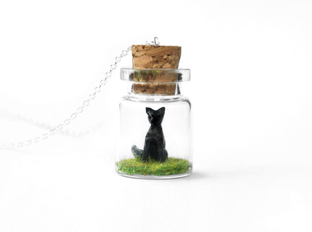 https://www.etsy.com/uk/listing/745061681/silver-fox-necklace-woodland-terrarium?ref=shop_home_active_13&pro=1