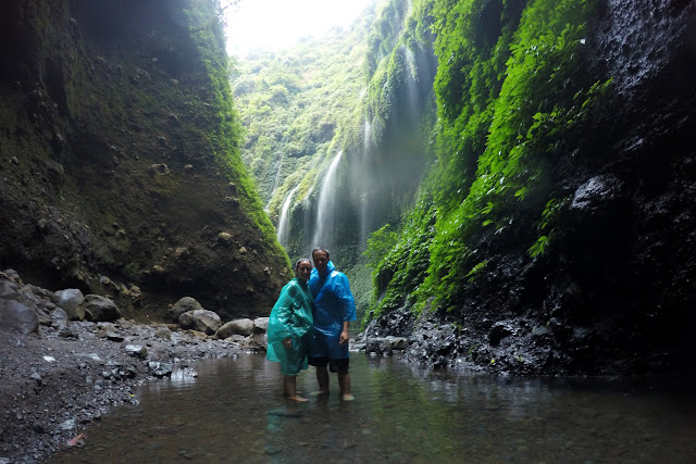 En el laguito de la cascada Madakaripura
