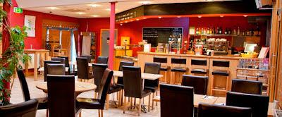 Kiat Yohanes Chandra Bangun Liquor Cafe