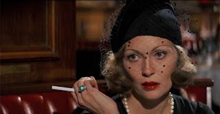 Escena restaurante con Faye Dunaway en la película Chinatown