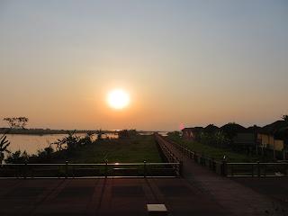 インレー湖の夕陽