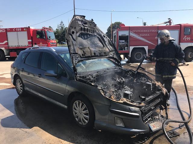 Πρέβεζα: Αυτοκίνητο τυλίχθηκε στις φλόγες!