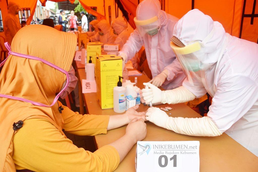 400 Warga Ikuti Rapid Test di Pasar Bocor, Semuanya Non Reaktif