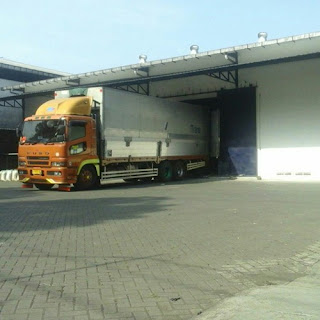 Sewa Truk Wingbox Jakarta Lamongan